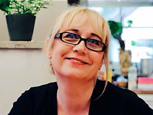 Portrait von Petra Hola-Schneider